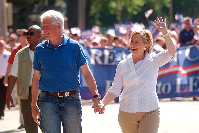 Bill and Hillary Clinton and her husband former president Bill Clinton, march in the Independence Day Parade in Clear Lake, Iowa, 04 July 2007. Photo: EPA/Steve Pope