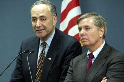 Senators Schumer (l) and Graham (r)