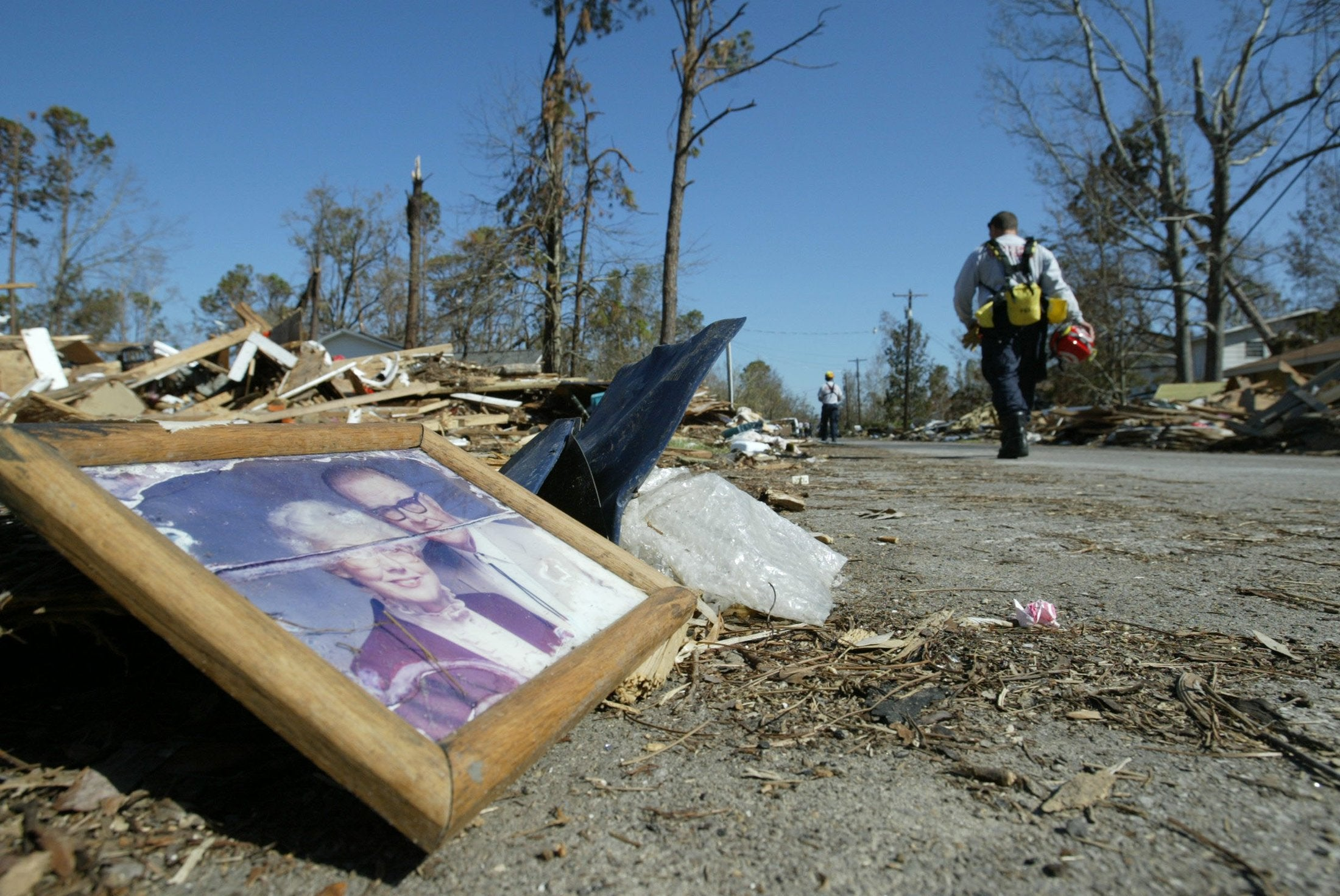 19 Stunning Pictures of Hurricane Katrina's Aftermath