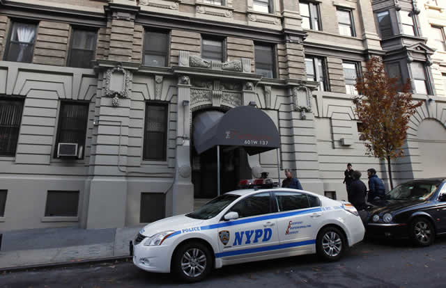 "A New York City Police car is seen outside a Manhattan apartment building November 21, 2011, where New York police arrested a 27-year-old man they called a ""lone wolf"" militant on charges of plotting to build bombs to kill American soldiers returning from Iraq and Afghanistan. Jose Pimentel, a U.S. citizen born in the Dominican Republic, was arrested on Saturday in the Manhattan apartment while assembling a bomb, police said. REUTERS/Mike Segar"