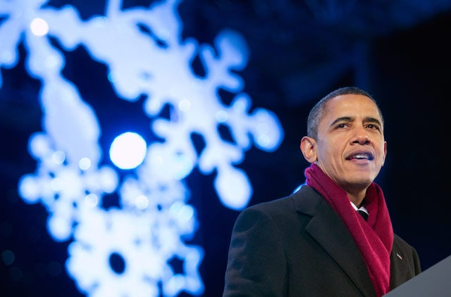obama-christmas-tree-ceremony-2010