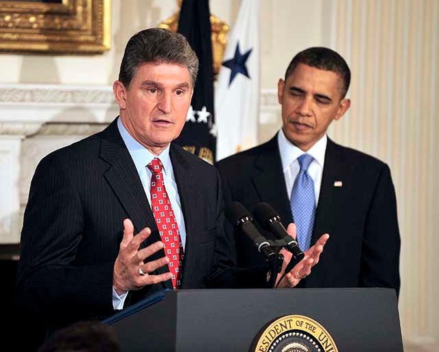 Sen. Joe Manchin, D-W.Va., introduced legislation to reauthorize the Export-Import Bank. (Photo: Ron Sachs/CNP/Newscom)
