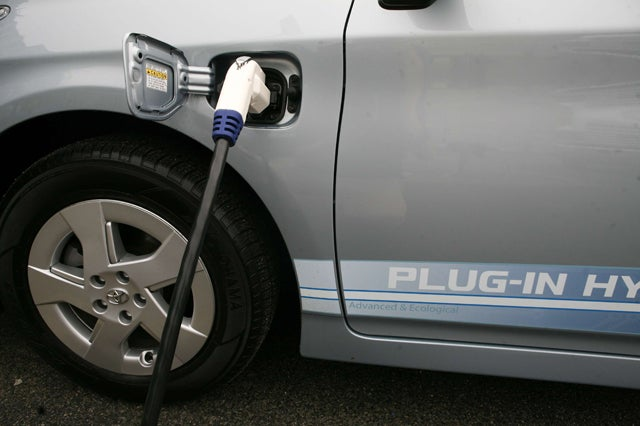 DC: INNOVATIVE ELECTRIC CARS GATHER IN WASHINGTON