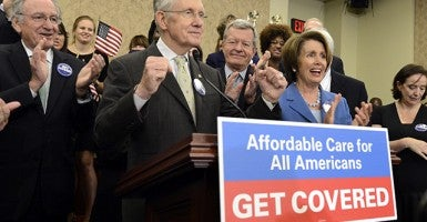 Democrats of the open enrollment of Obamacare on Capitol Hill. (Photo: EPA/Michael Reynolds)