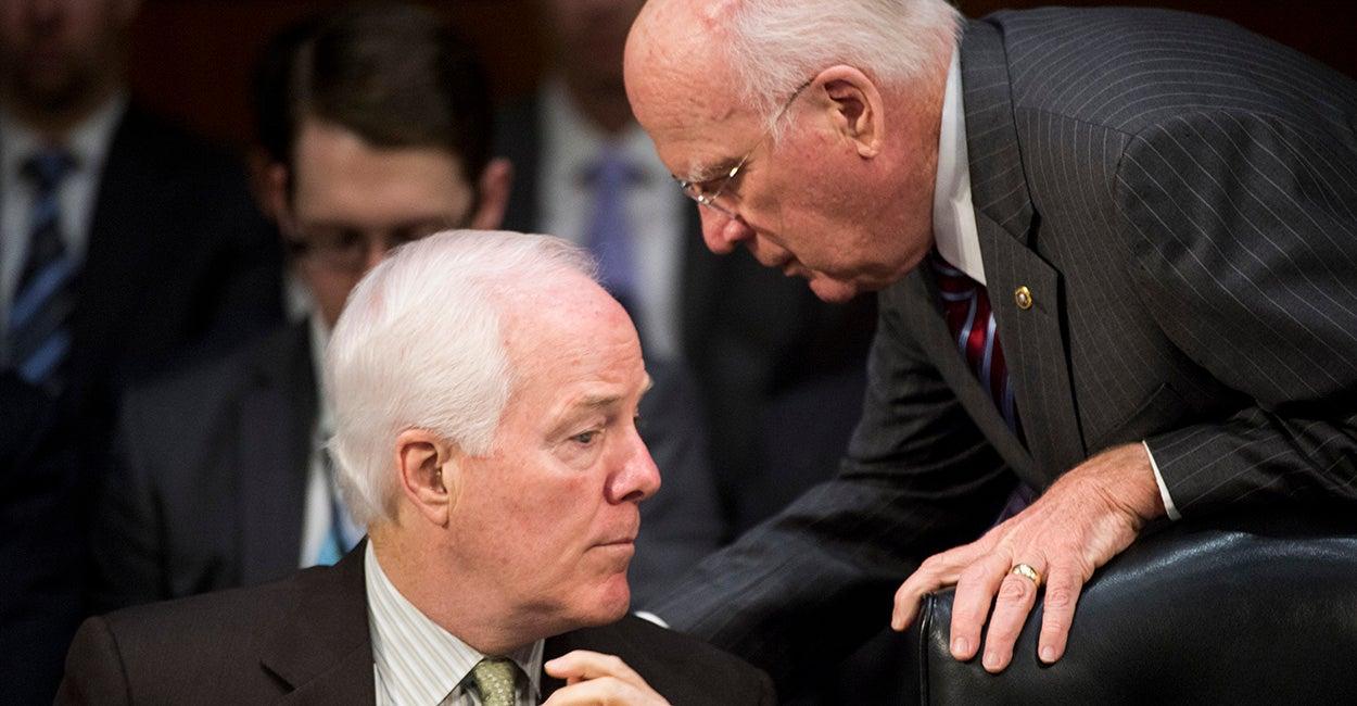 Sen. John Cornyn, R-Texas, left, speaks with Sen. Patrick Leahy, D-Vt. (Photo: Bill Clark/CQ Roll Call)