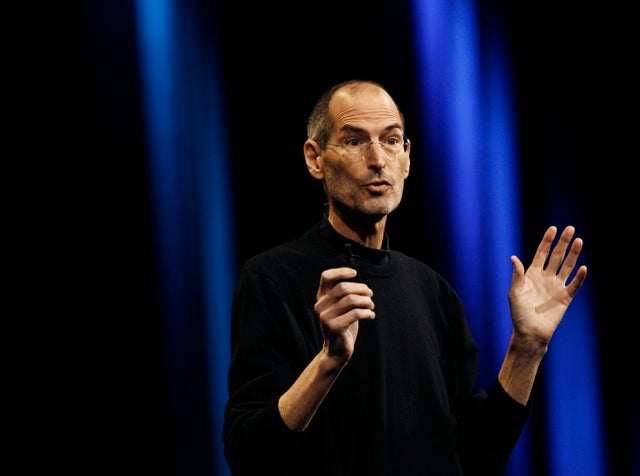 APPLE ANNOUNCES DEATH OF STEVE JOBS