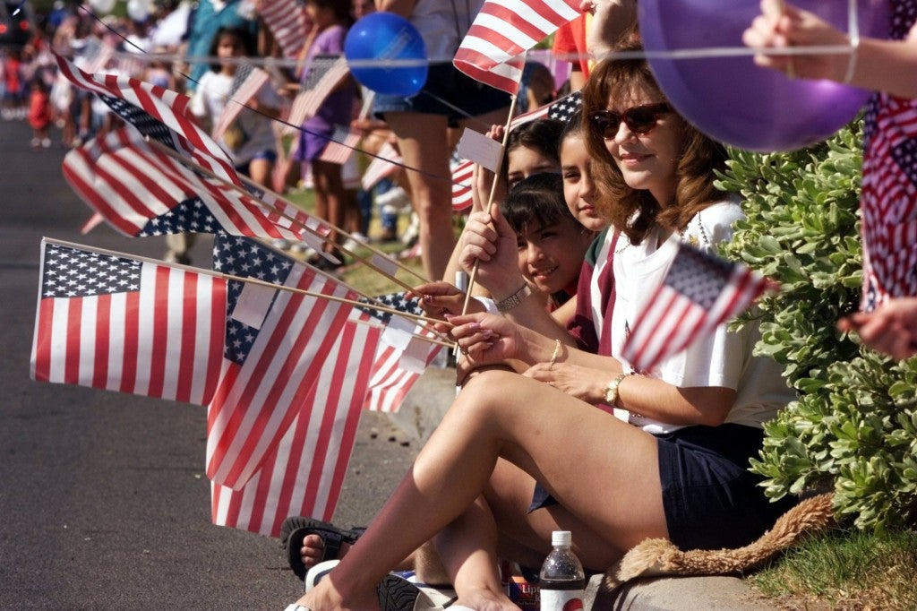 A crowd watches the 4th of July Parade in El Paso, Texas, July 4, 1998. (Photo: Jack Kurtz UPI Photo Service/Newscom)