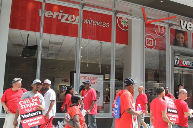 Workers strike at Verizon Wireless in New York.