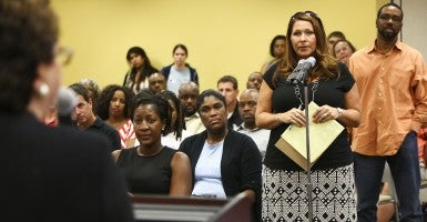 Florida parent asks a question during a Q & A session about Common Core standards in Tampa, Fla. (Photo: Eve Edelheit/Tampa Bay Times/ZUMA Wire)